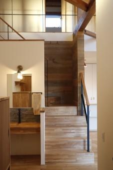岡崎市・豊田市を中心に注文住宅、新築一戸建てを手掛ける共感住宅レイアウトの見学会「未来の木のお家」リビング階段