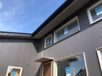 岡崎市・豊田市で注文住宅、新築一戸建てをてがける共感住宅レイアウトが岡崎市で建築中の家の外観