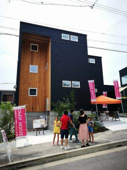 岡崎市の完成見学会 外の写真