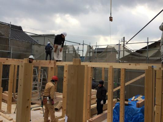 岡崎市・豊田市・幸田町を中心に注文住宅、新築一戸建てを手掛ける共感住宅ray-out(レイアウト)の職人さん