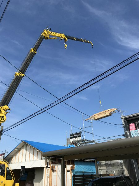 豊田市・岡崎市・幸田町を中心に注文住宅、新築一戸建てを手掛ける工務店の共感住宅レイアウトが豊田市で上棟している様子