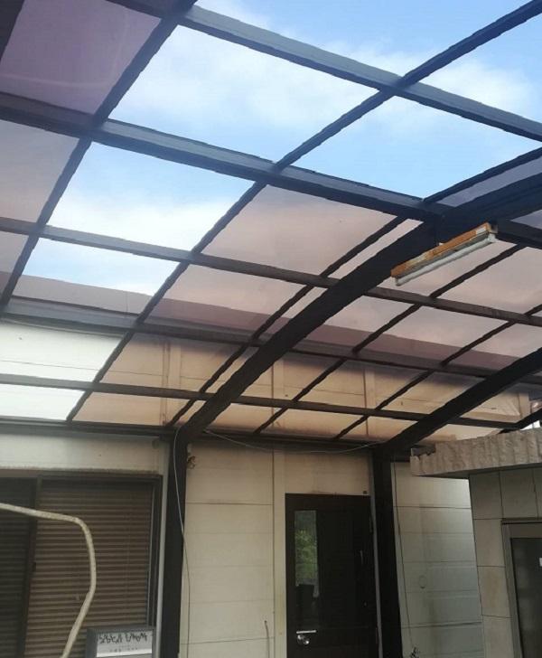 連続する天変地異でカーポートの屋根が破損|岡崎市・豊田市・幸田町を中心に注文住宅、新築一戸建てを手掛ける工務店の共感住宅レイアウト