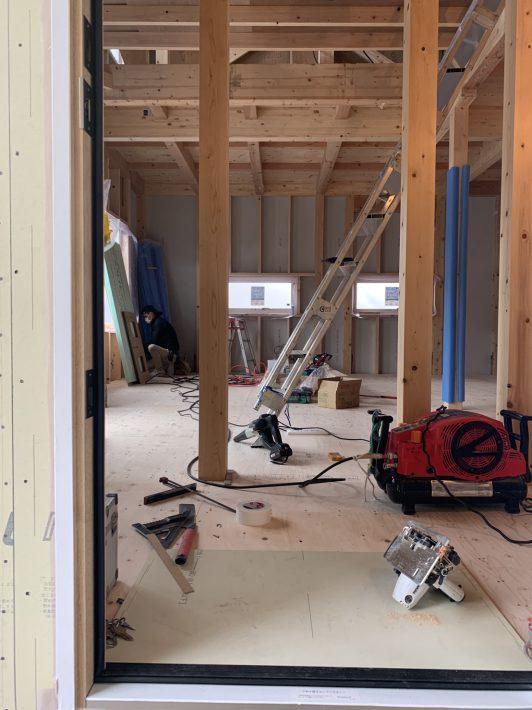 現場をちらっと。|岡崎市・豊田市を中心に注文住宅、新築一戸建てを手掛ける共感住宅ray-out(レイアウト)