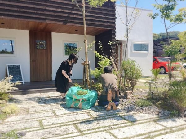 幸田町でお庭も含めて注文住宅を手掛ける共感住宅ray-outでは、腕も知識も流行発信もピカイチの庭師さんに頼んでいます。